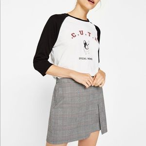 grey plaid skirt!